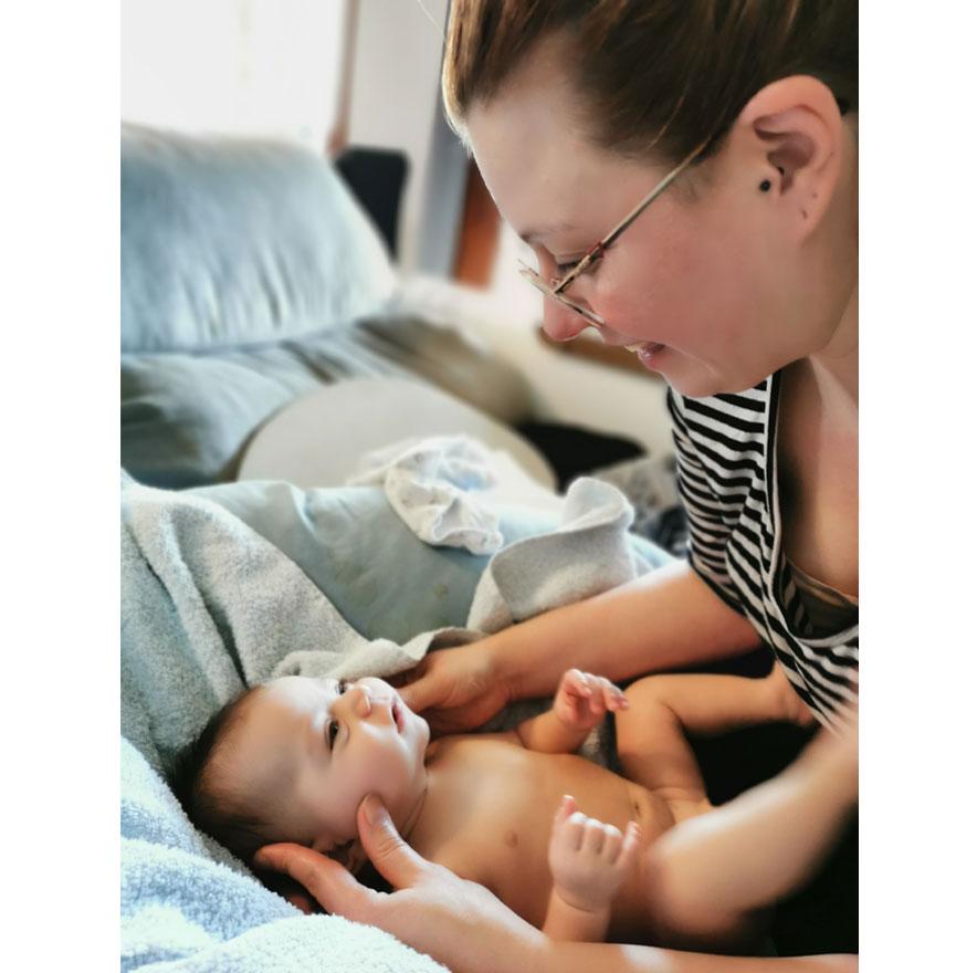 Bienfaits massage bébé Nancy